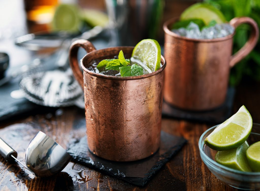 Come si prepara il cocktail moscow mule? Ecco la ricetta per bartender