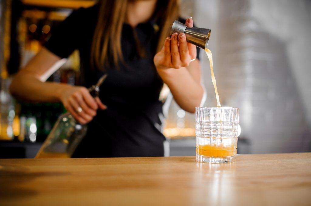 Cosa sa fare un barman acrobatico?